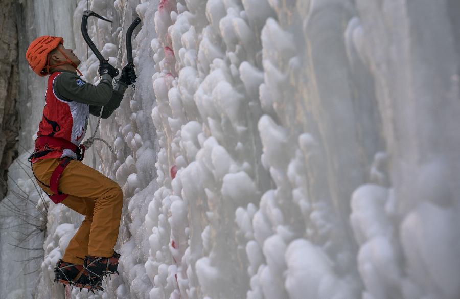 """""""冰瀑上的芭蕾""""受歡迎,中國登山協會副主席稱攀冰進入冬奧會是遲早的事"""
