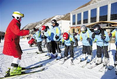 促進冬奧教育進入中小學,北京將加大冰雪教師培養培訓