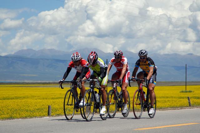 環青海湖國際公路自行車賽青海樂都開幕