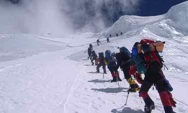 西藏8年接待登山愛好者兩萬多人次