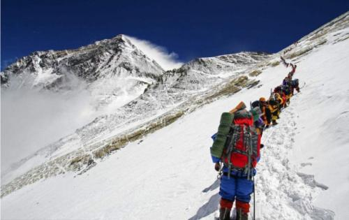 夏爾巴向導開路隊成功從南坡登頂珠峰
