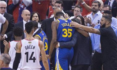 球員帶傷出戰應慎重,別贏了比賽輸了未來