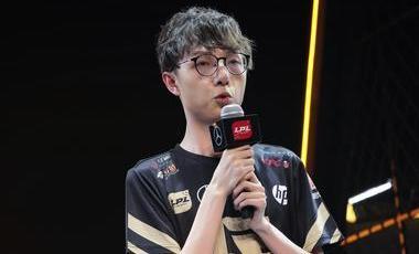 堅決作戰 一往無前——專訪RNG電子競技俱樂部劉世宇