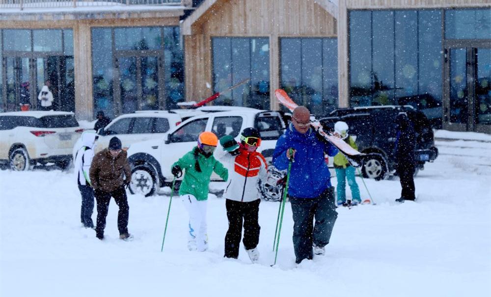 新疆開啟滑雪季