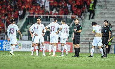 體育時評:一聲長嘆之後,中國足球須臥薪嘗膽