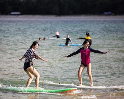 全民健身:海上衝浪 樂享假期