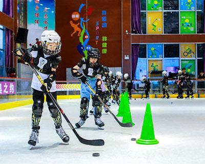 全民健身:暑期享受冰球之樂