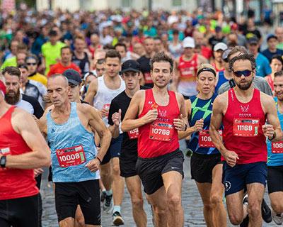 立陶宛首都馬拉松賽吸引6500多名參賽者