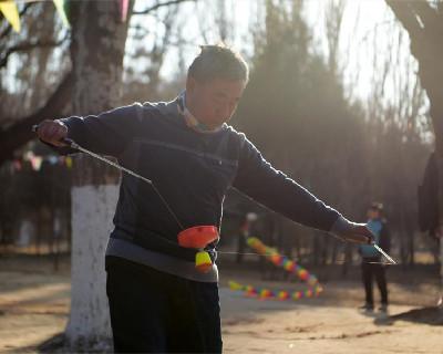 全民健身——馬大爺的空竹奏鳴曲