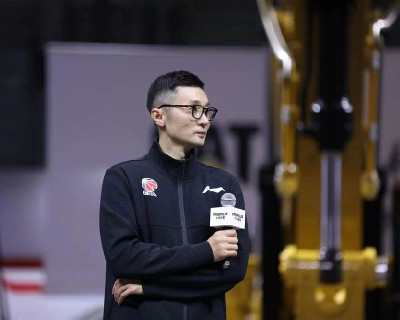 CBA上海男篮领队刘炜交界处:领队也是球员们的战友