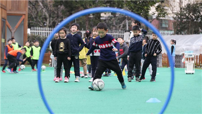 上海:萌娃樂享足球