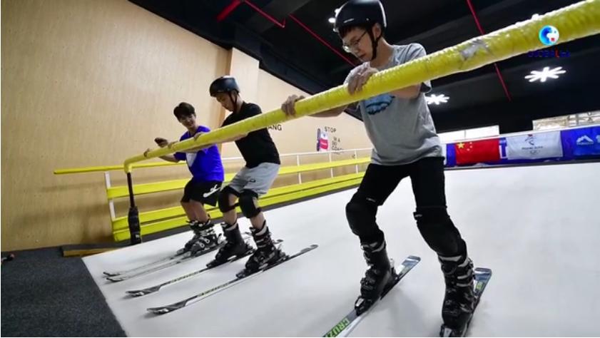 全球連線丨(走近冬奧)請到海南來滑雪