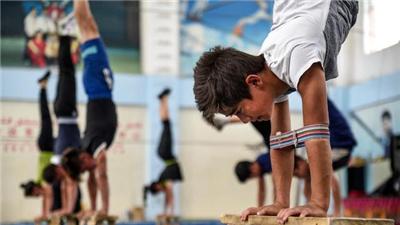 新疆:少數民族傳統體育蓬勃發展