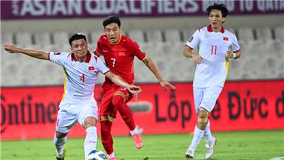 12強賽首勝!中國男足補時3:2絕殺越南隊