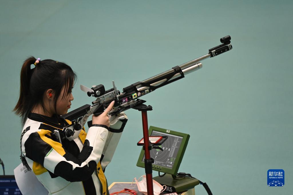 浙江小將王芝琳力壓奧運冠軍楊倩奪女子10米氣步槍冠軍